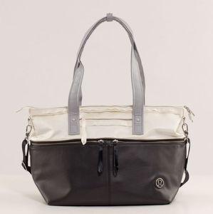 Lululemon Take Me With You weekender tote bag